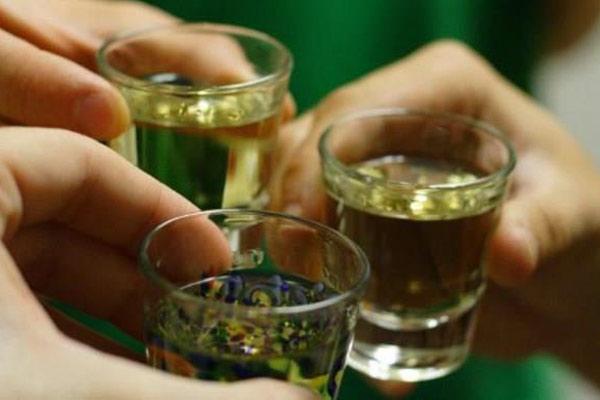 Những ảnh hưởng của rượu mà bạn không ngờ tới